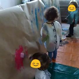 Atelier à Crèche and Do : Peinture à la vertical